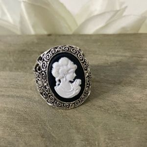 3/25: Size 9 Black Cameo Ring Victorian Style